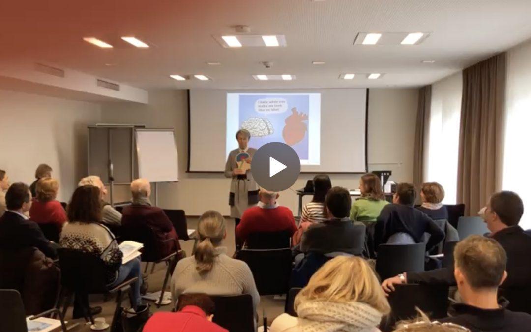 """Impressionen vom Impuls-Vortrag für Ärzte """"Unser Gehirn mag keine Veränderung – neurobiologisches Veränderungsmanagement für Ärzte"""" (Video)"""